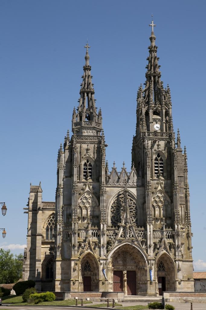 Commencée vers 1405-1406, la construction a duré jusque 1527